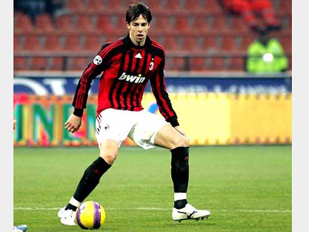 Digao in una delle rare apparizioni con la maglia del Milan
