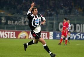 Il gol di Tudor al 92′ in Juve-Deportivo (stagione 2002/03)