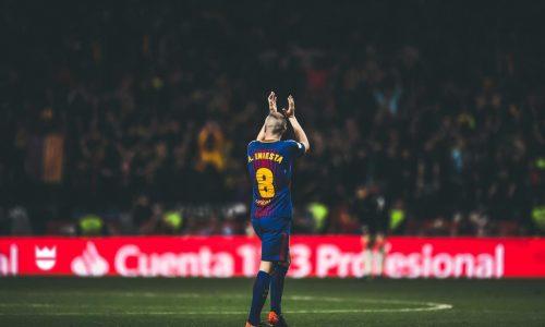 """Iniesta ricorda: """"Barça-Real Madrid era diventata una guerra, Mourinho aveva esasperato la rivalità"""""""